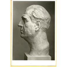 FOTO, BUST POETUL ION OJOG, SCULPTOR M. ONOFREI, 1934