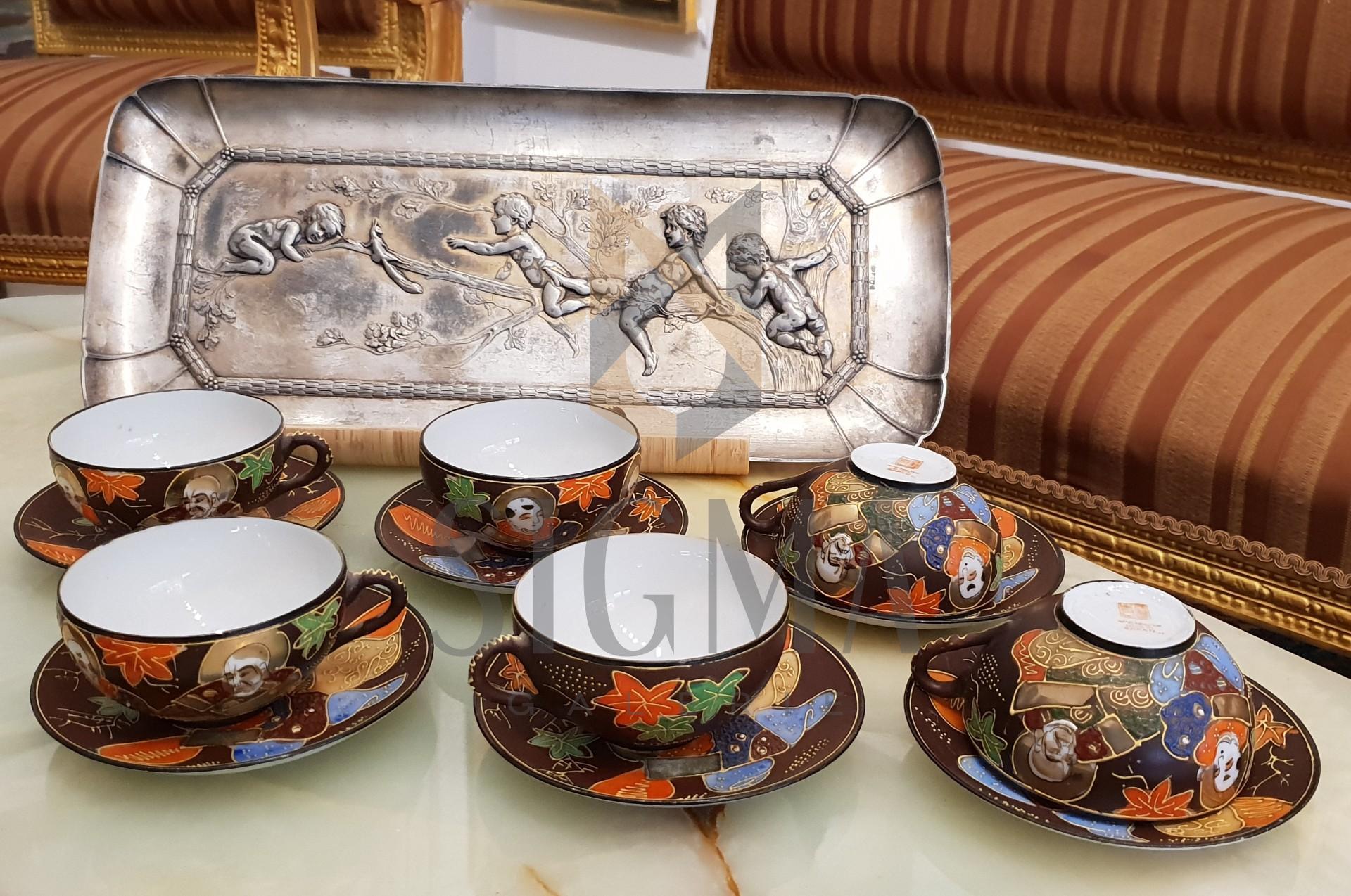 Serviciu chinezesc de ceai, cafea. Pictat manual.