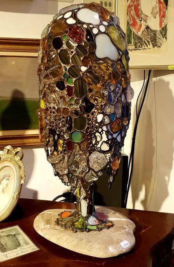 Veioza, autor: Barbaric, tehnică - vitraliu, H 57 cm