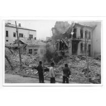 FOTO, WILLY PRAGHER, BOMBARDAMENTUL AMERICAN,  CALEA BUZESTI, 1944